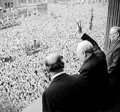 Churchill waving on VE Day 1945